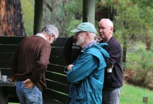 Shows volunteers, Edward Hunter Heritage Bush Reserve